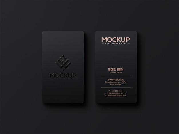 Maquette de logo de luxe sur carte de visite sombre