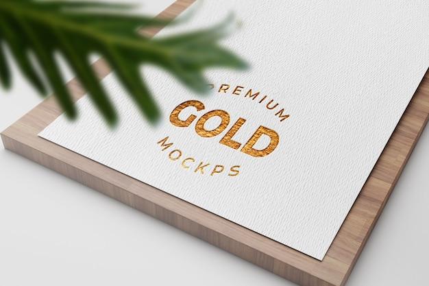Maquette de logo de luxe élégant et minimal sur carte de visite