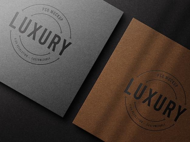 Maquette de logo de luxe sur papier kraft avec effet typographique