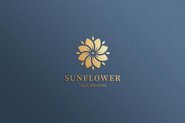 Maquette de logo en or de luxe