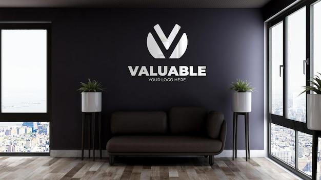 Maquette de logo réaliste dans la salle d'attente du hall du bureau