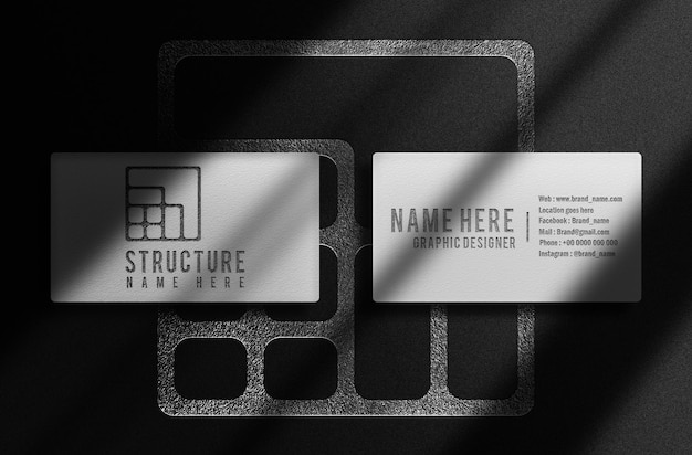 Maquette de logo en relief de carte de visite blanche de luxe