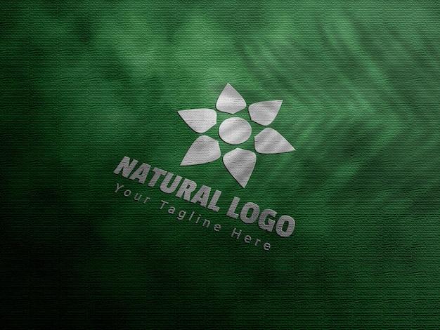 Maquette de logo en relief naturel et en creux
