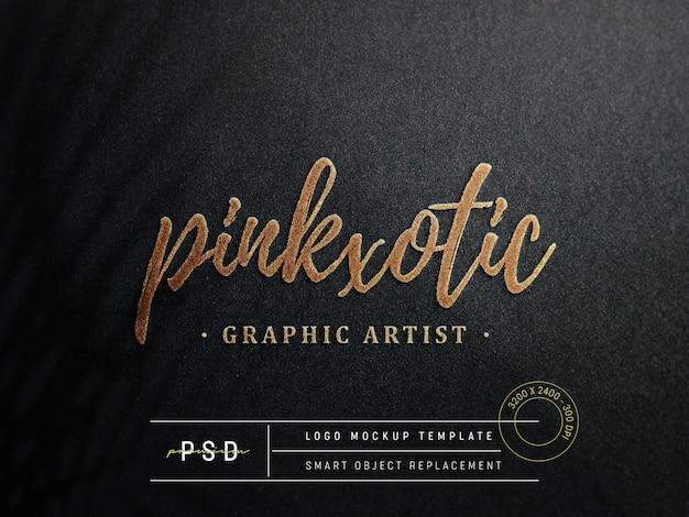 Maquette de logo en relief sur papier noir