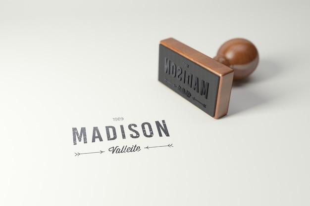 Maquette de logo de tampon en caoutchouc. version rectangle