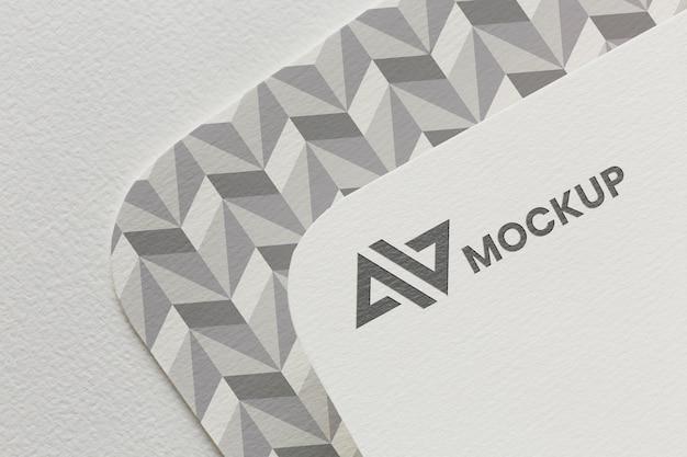 Maquette de marque sur assortiment de cartes