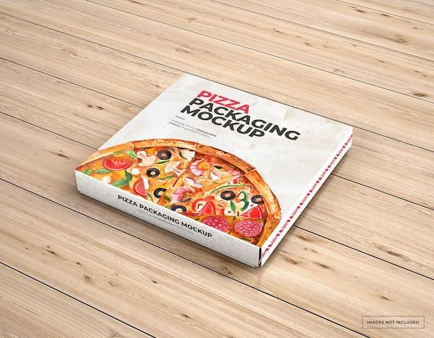 Maquette de marque d'emballage de pizza sur bois
