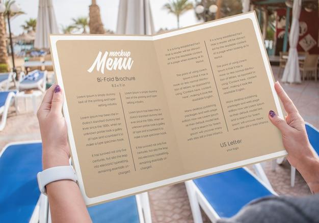 Maquette de menu de restaurant de brochure bifold