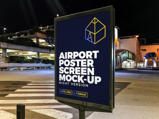 Maquette de panneau d'affichage dans la rue airport night