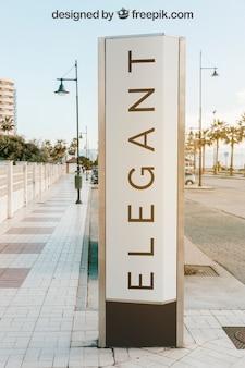 Maquette de panneau d'affichage dans la ville