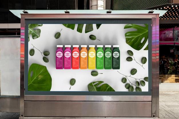 Maquette de panneau d'affichage avec des smoothies colorés