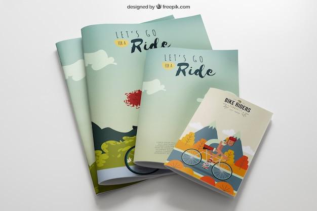 Maquette de papeterie avec des brochures de différentes tailles