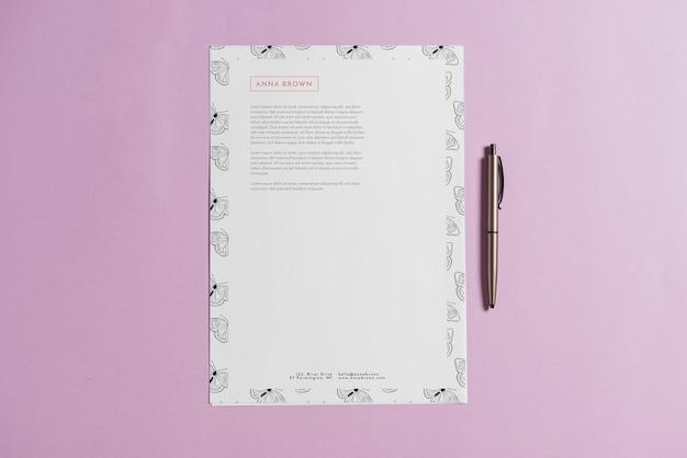 Maquette de papier à en-tête avec stylo