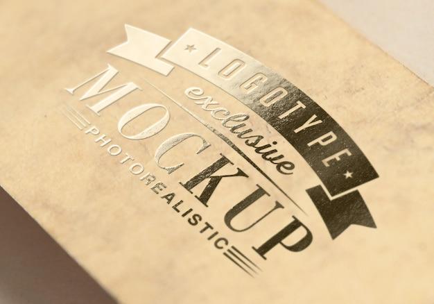 Maquette photoréaliste de logotype dans un style vintage