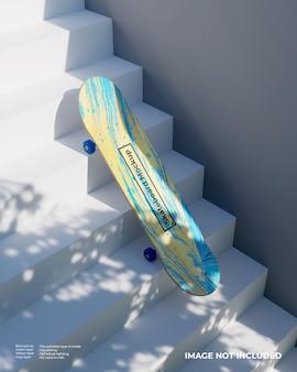 Maquette de planche à roulettes dans les escaliers