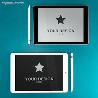 Maquette pour deux ipads 4 avec stylet sur une couleur d'arrière-plan modifiable