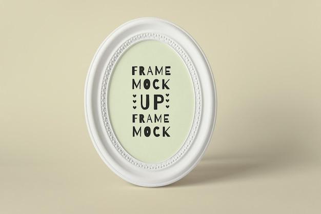 Maquette psd modifiable avec maquette de cadre vierge ovale en bois blanc rond avec couleur d'arrière-plan modifiable