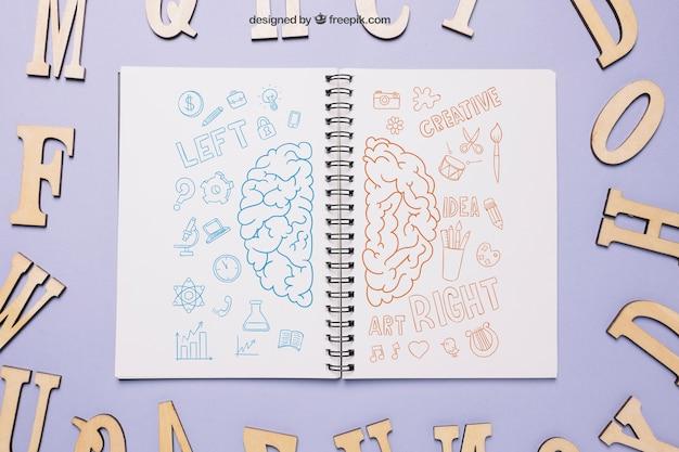 Maquette de retour à l'école avec cahier ouvert