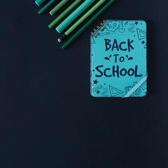 Maquette de retour à l'école avec couverture