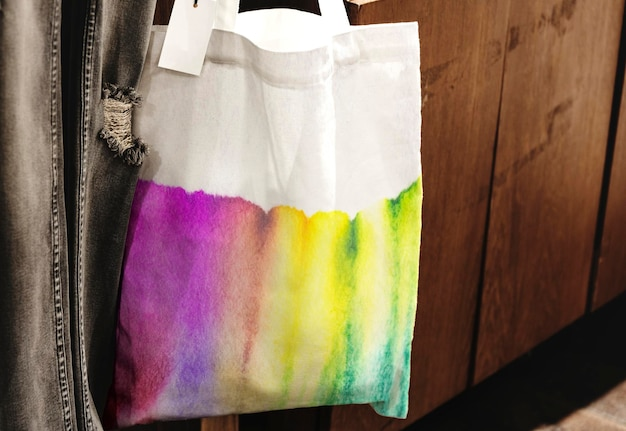 Maquette de sac fourre-tout tie-dye psd à la mode de l'art de la chromatographie