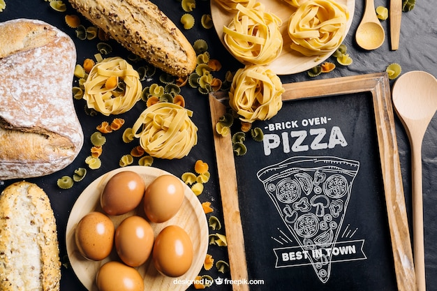 Maquette de tableau avec un design de pizza