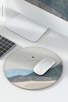 Maquette de tapis de souris en cuir rond, avec ordinateur