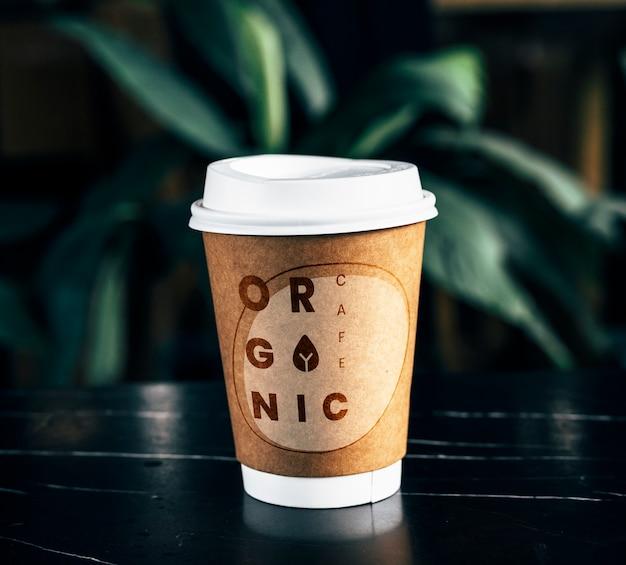 Maquette de tasse à café en papier jetable