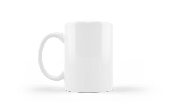 Maquette de tasse en céramique blanche isolée