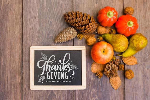 Maquette de thanksgiving avec ardoise