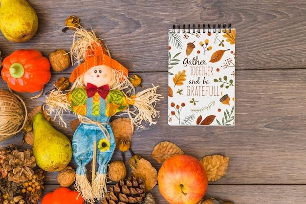 Maquette de thanksgiving avec le bloc-notes