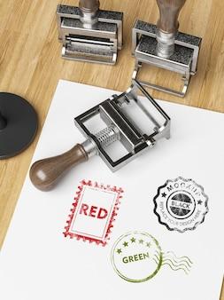 Maquette de timbre sur papier blanc