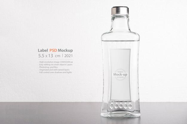 Maquette transparente de bouteille de vin ou d'eau