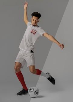Maquette de vêtements de joueur de football masculin