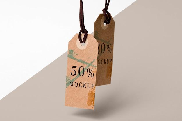 Maquette vue de dessus des étiquettes de vêtements en carton
