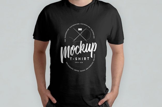 Maquette vue de face du modèle de t-shirt noir