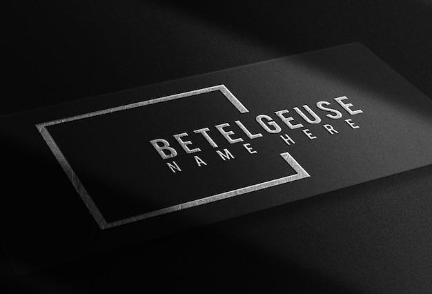 Maquette de vue prospective de carte de visite en relief unique de luxe avec plaque d'argent