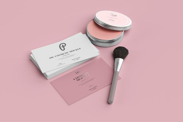 Maquettes de produits cosmétiques avec des cartes de visite