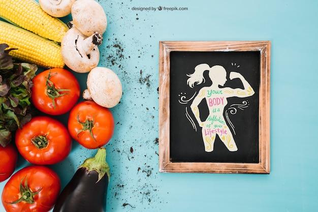 Maquillage végétarien avec ardoise à droite