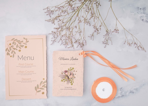 Menu et invitation de mariage colorés