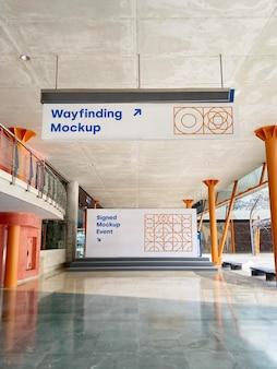 Mockup wayfinding et promotion de l'événement sur panneau d'affichage