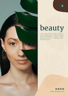 Modèle d'affiche beauté avec une femme