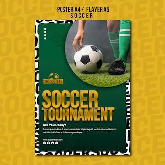 Modèle d'affiche de l'école de football de tournoi