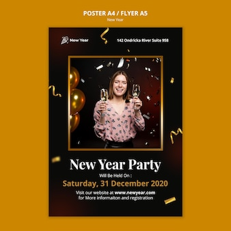 Modèle d'affiche pour la fête du nouvel an avec femme et confettis