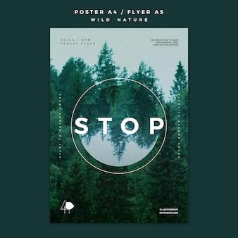 Modèle d'affiche pour la nature sauvage avec la forêt