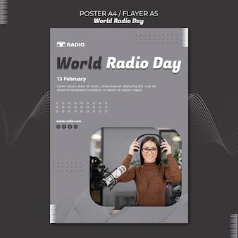 Modèle d'affiche verticale pour la journée mondiale de la radio avec un diffuseur féminin