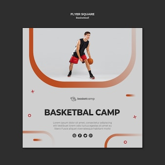 Modèle de flyer carré de camp de basket
