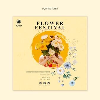 Modèle de flyer carré concept festival de fleurs