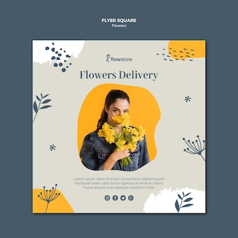 Modèle de flyer carré de livraison de fleurs