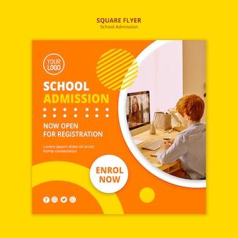 Modèle de flyer carré pour le concept d'admission scolaire