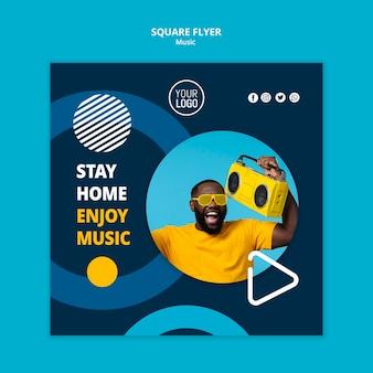 Modèle de flyer carré pour profiter de la musique pendant la quarantaine